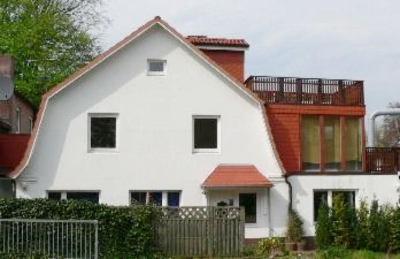 Traumhaftes Zweifamilienhaus als solide Kapitalanlage  im Herzen von Bad Bramstedt