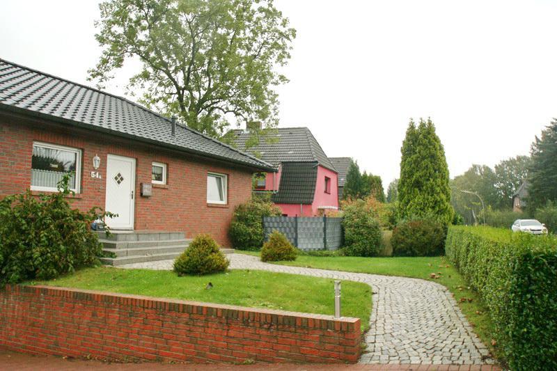 Traumhaft Wohnen nahe Elbdeich: Schicker Bungalow mit Garten-Pool !
