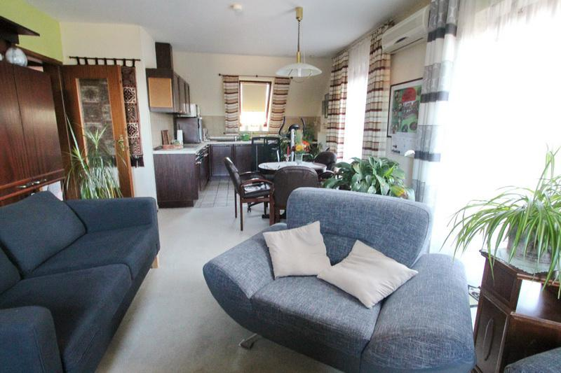 Wohnbereich & offene Wohnküche OG