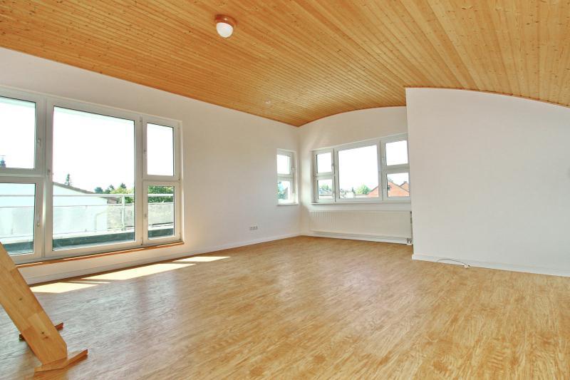 Dachgeschoss mit Zugang zur Dachterrasse