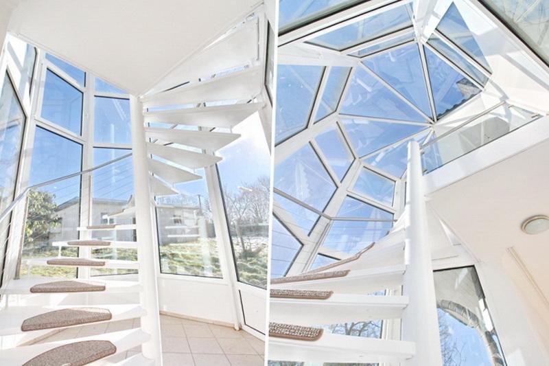 Verglaster Treppenaufgang