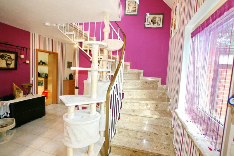 Treppenaufgang - Haupthaus
