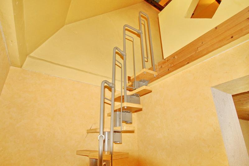 Treppenaufgang zum 2. Dachgeschoss